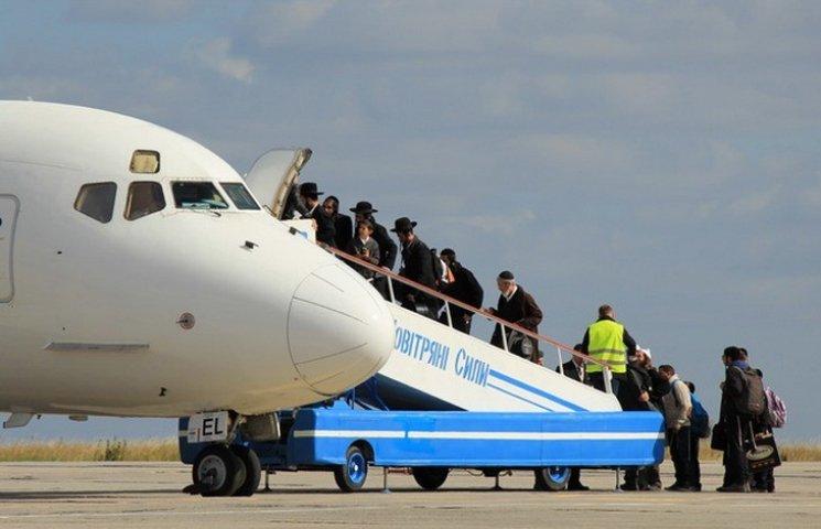 """Аеропорт """"Вінниця"""" планує прийняти близько трьох тисяч хасидів"""