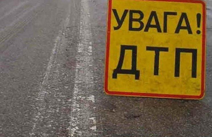 """На Запоріжжі """"Плімут"""" влетів в лоб фурі – водій легковика загинув на місці"""