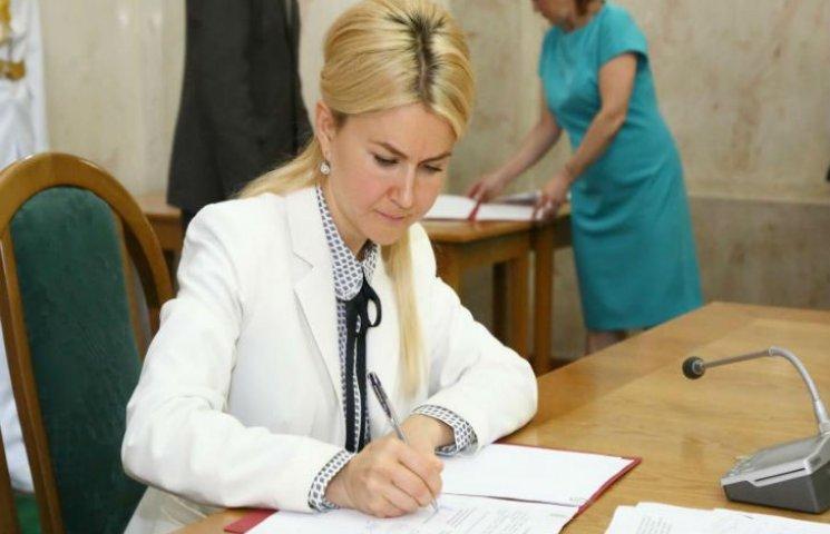 В Харькове обладминистрация, Евромайдан и ветераны АТО подписали меморандумы о сотрудничестве