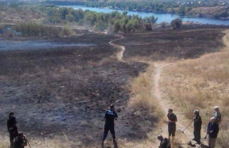 З'явилося відео масштабної пожежі на острові Хортиця