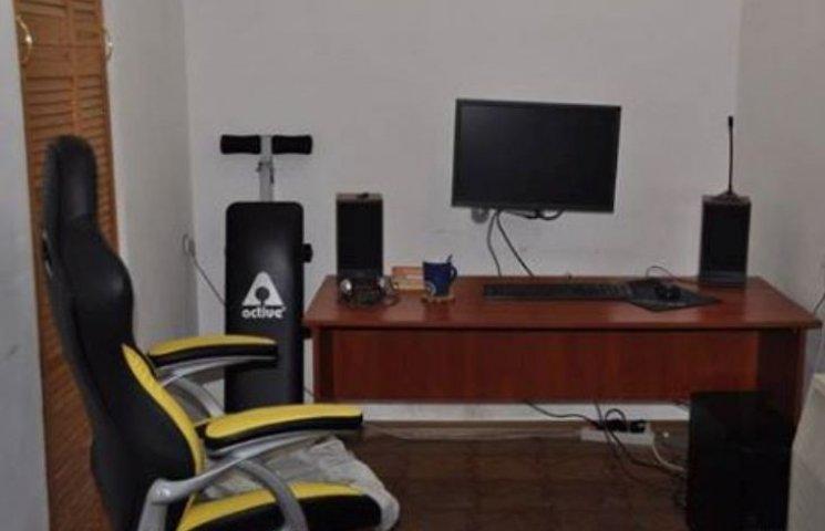 Миколаївець перетворив власну домівку на офіс для кіберзлочинів