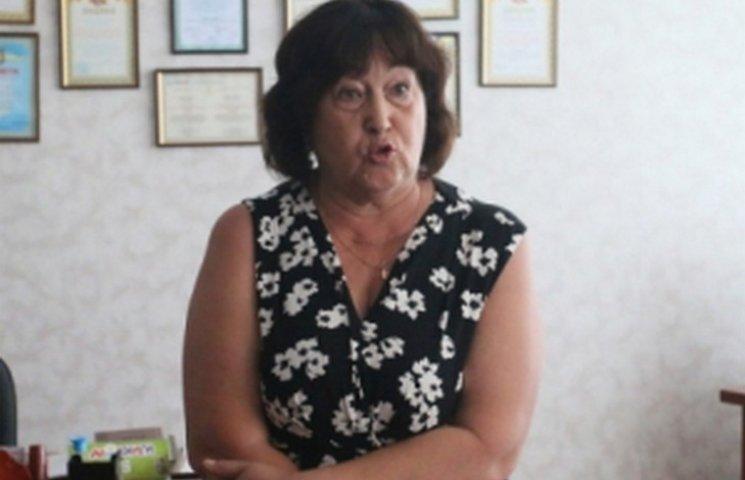 """У вінницькій школі вчителька влаштувала """"релігійний терор"""""""