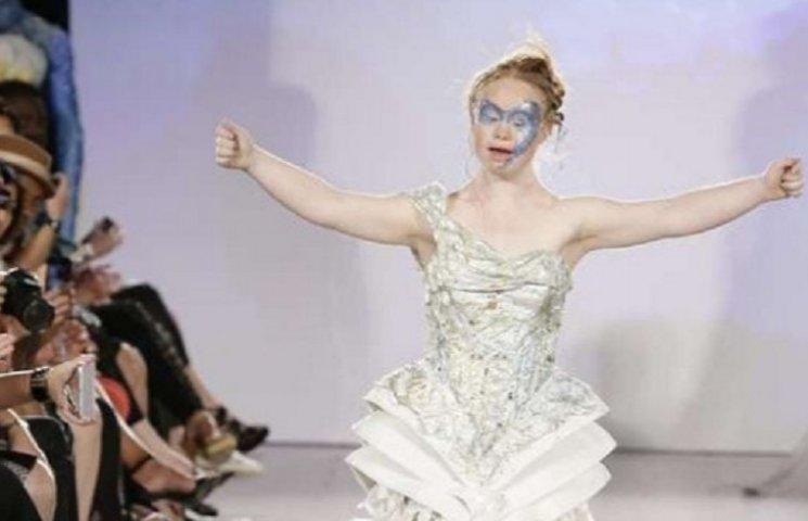 Модель с синдромом Дауна стала звездой Нью-Йоркской недели моды