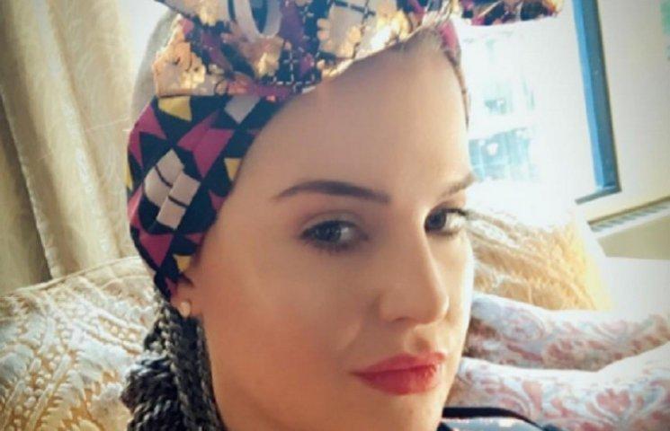 Келли Осборн покусала трусы неизвестного мужчины