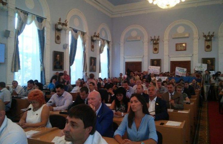 Хамство та безкарність: депутати та мер Миколаєва озвучили причини ДТП з дорожниками