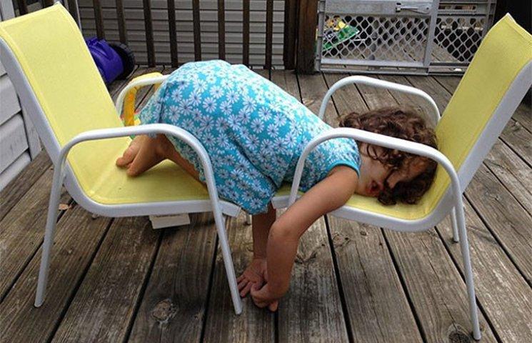 35 кумедних доказів того, що діти можуть заснути де завгодно