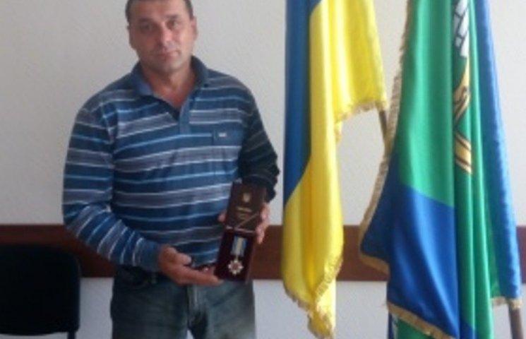 На Николаевщине депутата-АТОшника наградили орденом за прорыв из-под Дебальцево