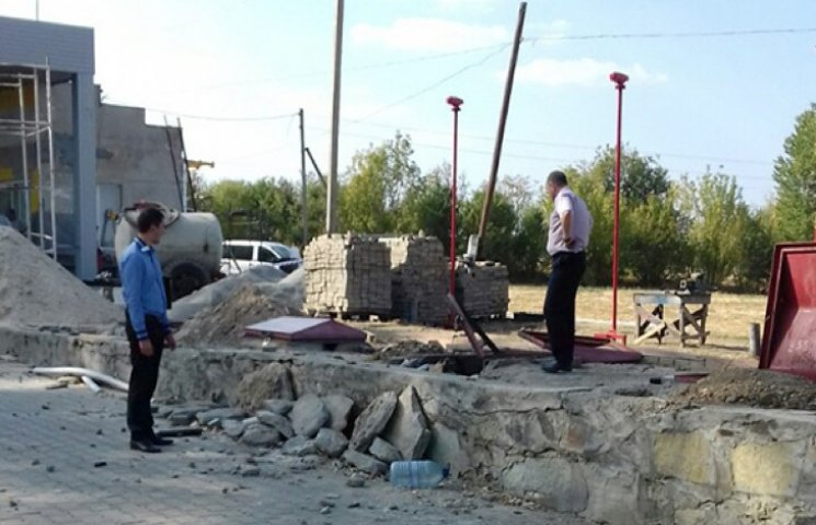 На Хмельниччині загинула людина від вибуху на АЗС