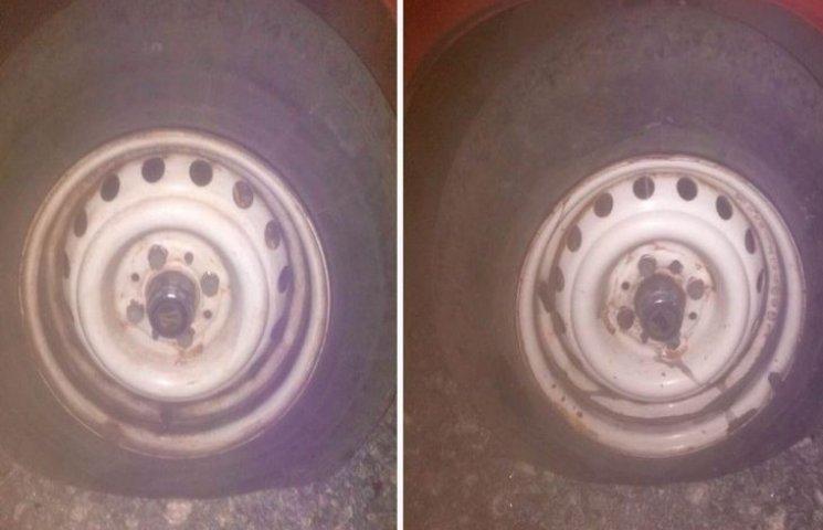 """Шепетівському активісту """"Дорожнього контролю"""" пошкодили авто"""