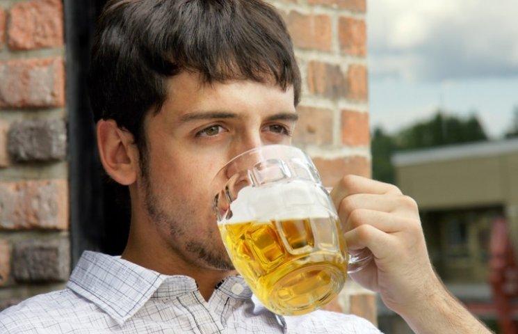 Вчені з'ясували, що робить з людьми келих пива