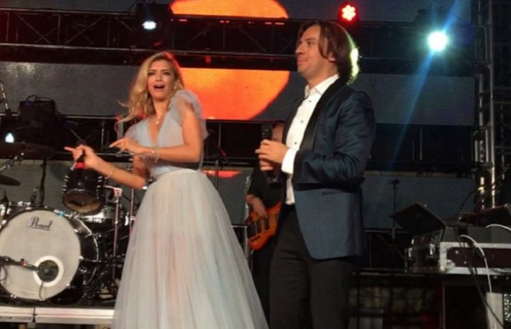 Брежнєва та Лорак на весіллі розважали сина російського олігарха
