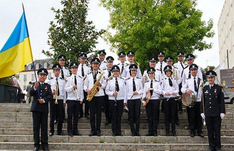 Хмельницкий полицейский оркестр ликовал во Франции
