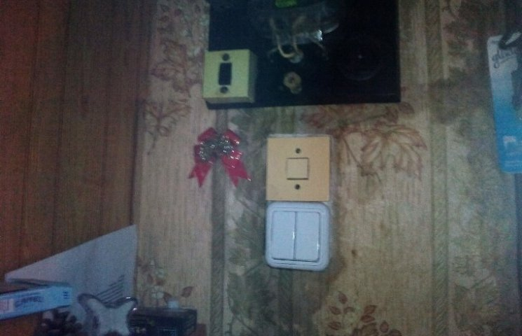 У миколаївців затопило квартиру: комунальники півтора роки не залатають дірку в стіні