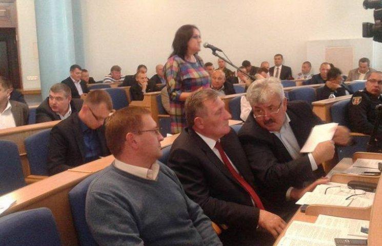 Депутат Винницкого облсовета заявила, что ей предлагали $5 тыс. за голос