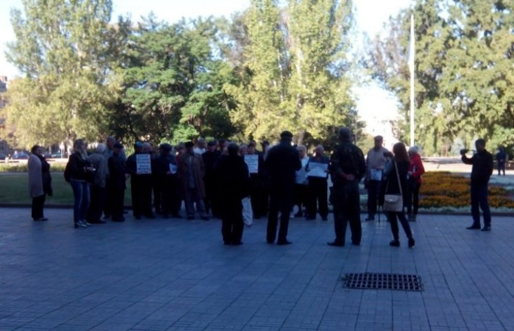 Миколаївці погрожують вийти на віче та вимагають зниження тарифів