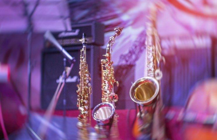 Юбилейный джаз-фест в Виннице открывал львовский оркестр под управлением местной скрипачки
