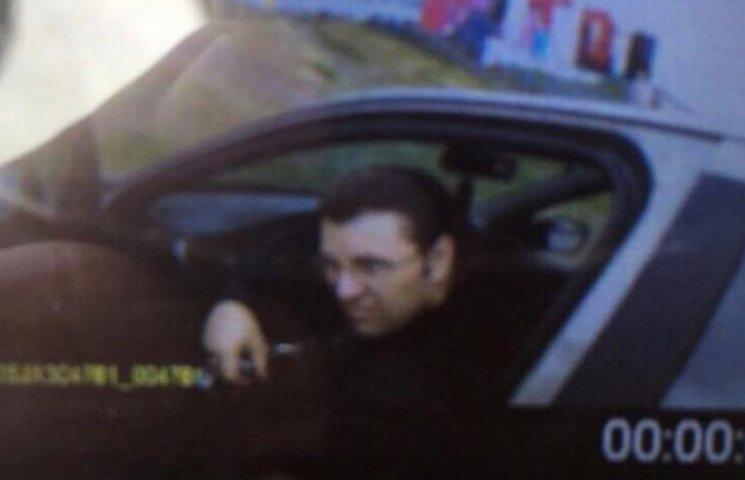 Стало відомо, на якому авто пересувається і як виглядає вбивця поліцейського у Дніпрі