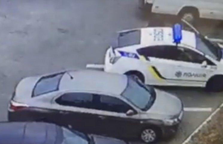 """Убийство патрульных в Днипре: Странные моменты на видео и """"корочка"""" Пугачева"""