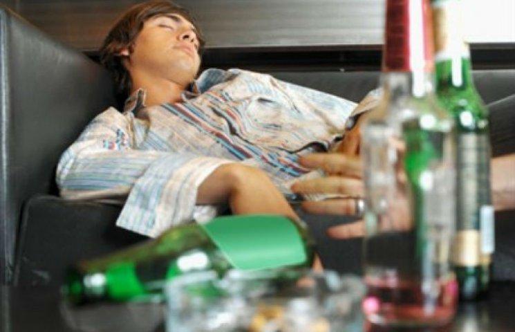 На Харьковщине за выходные увеличилось количество отравившихся суррогатным алкоголем