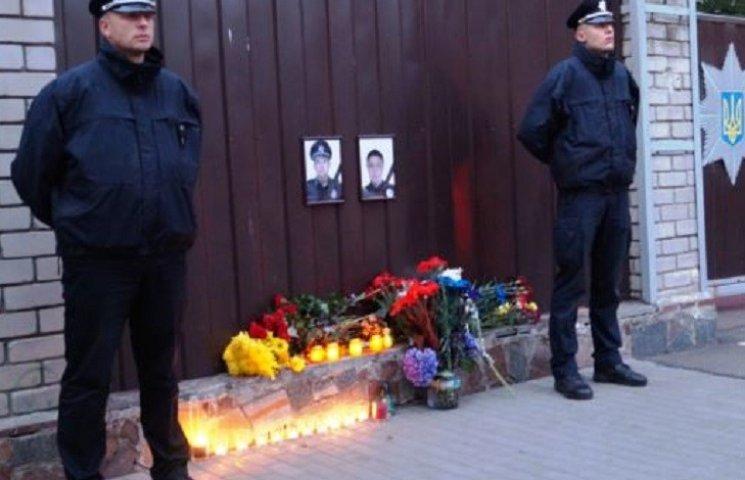 Поліція Хмельниччини збирає кошти для родин загиблих патрульних з Дніпра