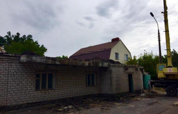 У Миколаєві триває будівництво нового травмпункту