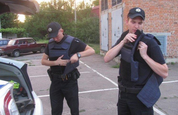 Хмельницькі патрульні носитимуть бронежилети цілодобово