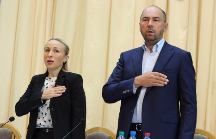 """Демократичний розкол: Як у Миколаєві """"ліквідують"""" керівництво облради"""