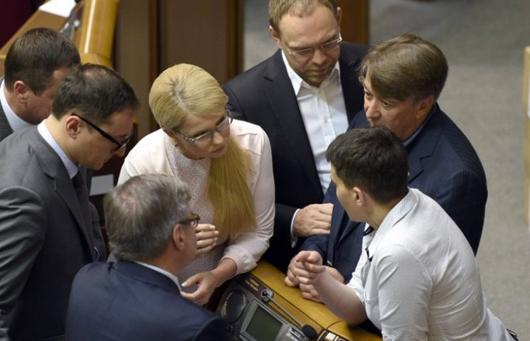 "Тимошенко снова заварила ""ширку"""
