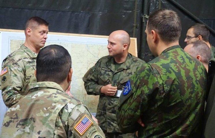Американські експерти ділилися досвідом з командуванням ЛитПолУкрбригу