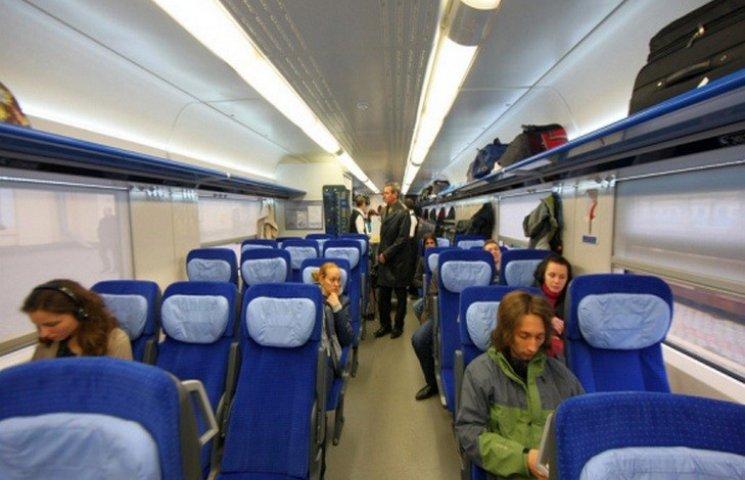 У потягах збільшать кількість місць для соціально вразливих груп