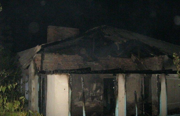 На Хмельниччині в пожежі згоріло двоє людей