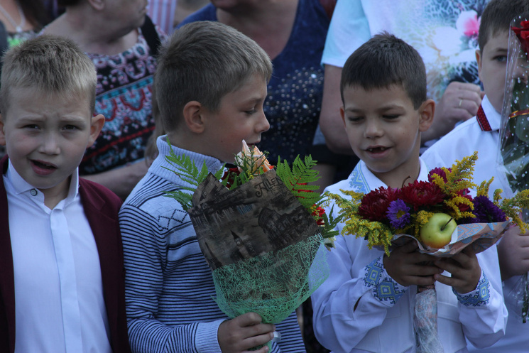 """Як святкували """"Перший дзвоник"""" у Львові (ФОТОРЕПОРТАЖ)"""