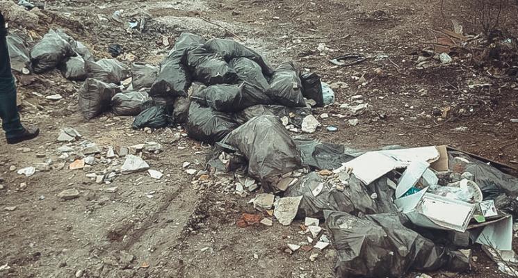 Севастополь потопає у смітті через бездіяльність муніципалітетів