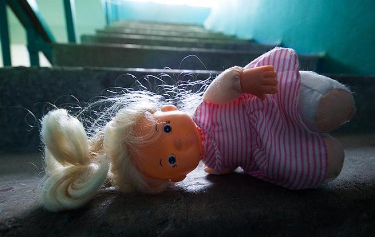 Волна педофильских скандалов на Харьковщине: Как уберечь детей от извращенцев