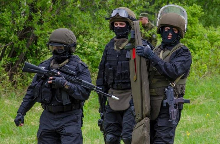 Окупанти відкриють у Криму військовий табір для підлітків
