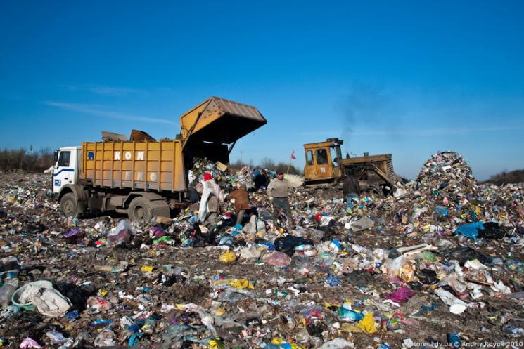У Рівному облагороджують сміттєзвалище…