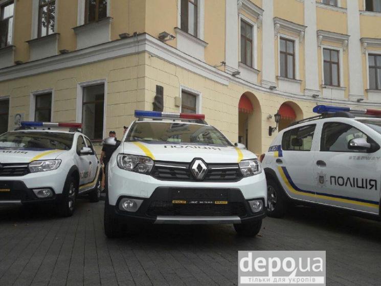 Одеські поліцейські отримали нові автівки (ФОТО)