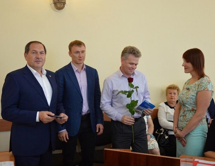 У мерії Кропивницького відставному офіцеру вручили ордер на квартиру
