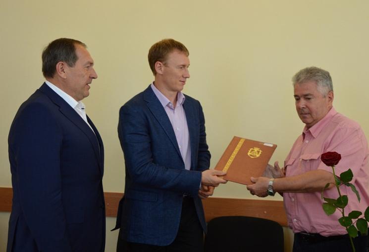 Райкович і Табалов вручили кропивничанам подяки до Дня міста