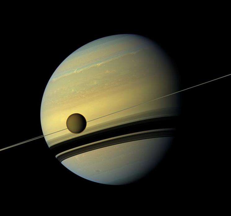 Cassini завершив свою місію наСатурні: з'явилися останні фото