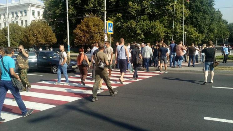 Шумный  скандал вЗапорожье: участники АТО устроили акцию протеста