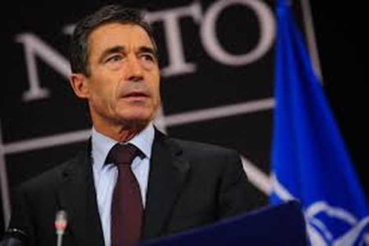 Необхідно забезпечити Україну оборонними системами— Екс-генсек НАТО