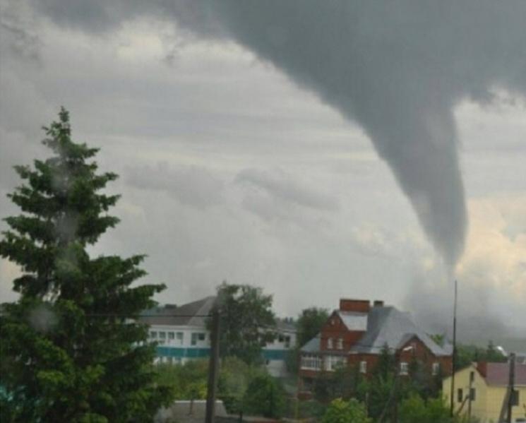 Що відомо про ураган-вбивцю з Румунії, якого так бояться українці (ФОТО, ВІДЕО)