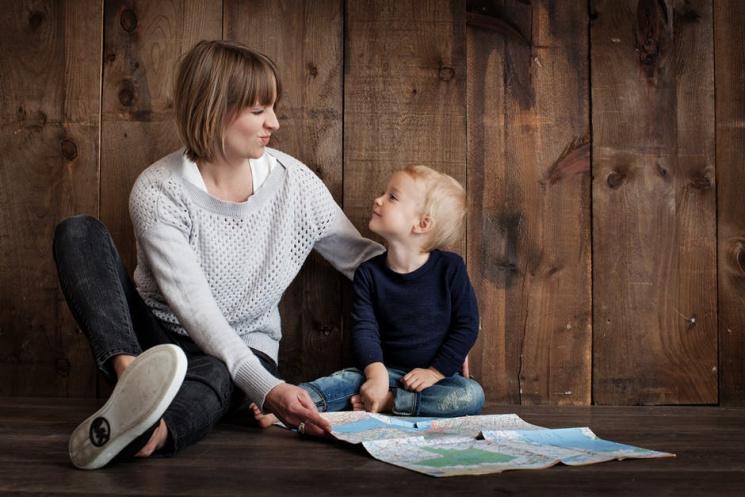 Хороша погана мати: Як батьки ополчилися на домашні завдання