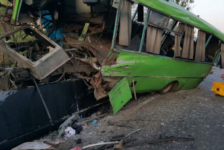На Харьковщине полиция обнародовала подробности масштабного ДТП: Среди пострадавших есть 10 детей (ФОТО)
