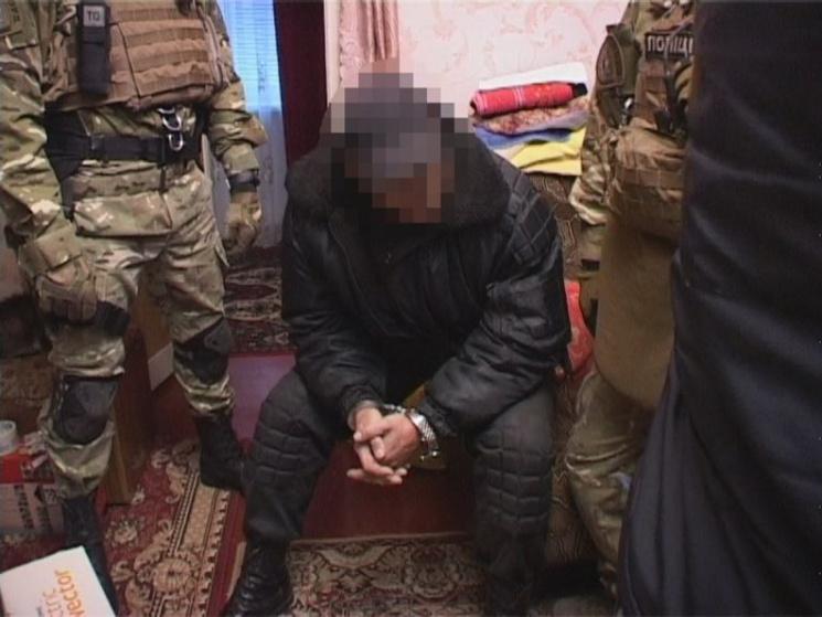 НаДніпропетровщині чоловік виготовляв зброю увласній квартирі