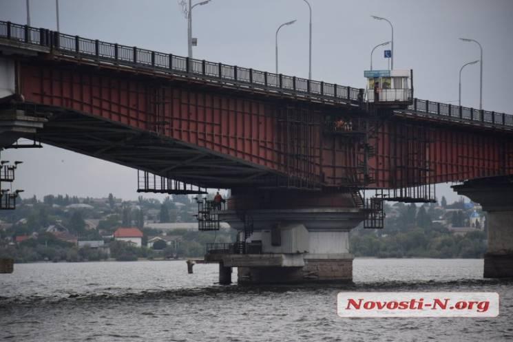 У Миколаєві розвели мости (ФОТО, ВІДЕО)