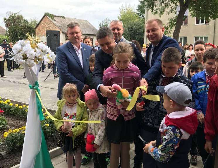 Віце-прем'єр-міністр долучився до відкриття інклюзивно-ресурсного на Тернопільщині