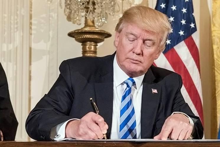 Трамп подписал санкции против тех, кто будет вмешиваться в выборы в США