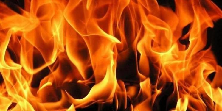 Через нічну пожежу сім'я в Гайсині залишилася без дров на зиму
